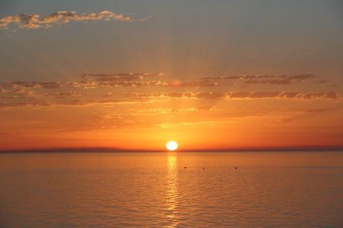 sunrise-2253692_960_720